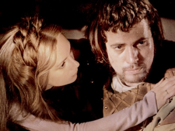a contrast of macbeth by william shakespeare and the movie version of roman polanski Compare and contrast  a comparison of macbeth's movie version by polanski and shakespeare's version  william shakespeare, macbeth, roman.