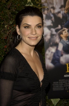 Julianna Margulies : Actress - Films, episodes and roles ...  Julianna Margul...