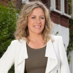 "Image for the Consumer programme ""Sarah Beeny's Selling Houses"""