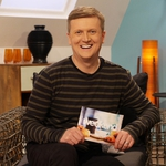 "Image for the Chat Show programme ""Weekend"""